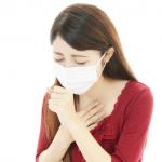 喉がイガイガするのは喉の奥が乾燥しているから。喉の乾燥を防ぐ方法とは?