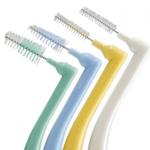 歯間ブラシが臭い!その原因と取り方について現役の歯科医が教えます。