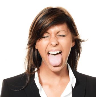 舌が白くなった女性