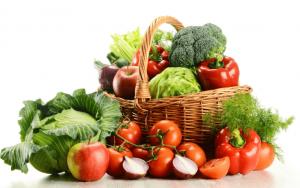野菜と果物の盛り合わせ