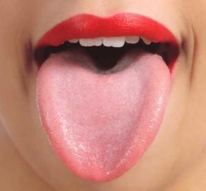 健康的なピンクの舌